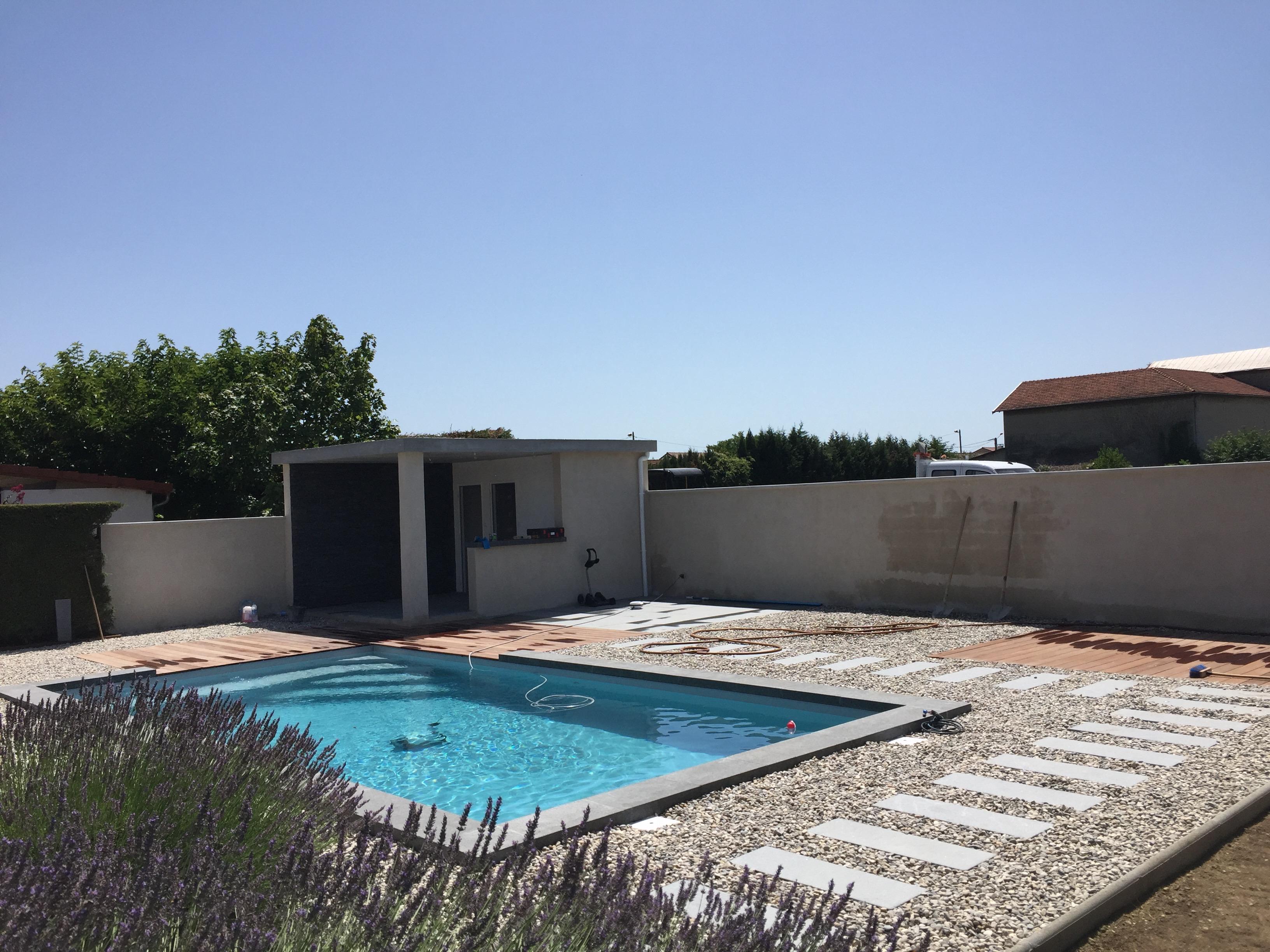 Une piscine dans La Drôme-16
