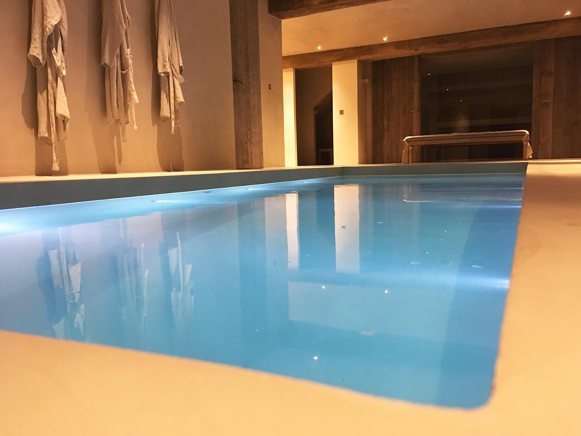 SPA et piscine intérieur à Megève-2